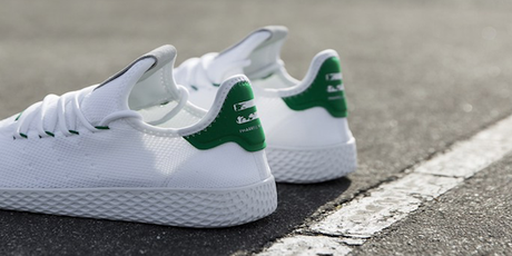 SNEAKERS : PHARRELL WILLIAMS X ADIDAS ORIGINALS TENNIS HU