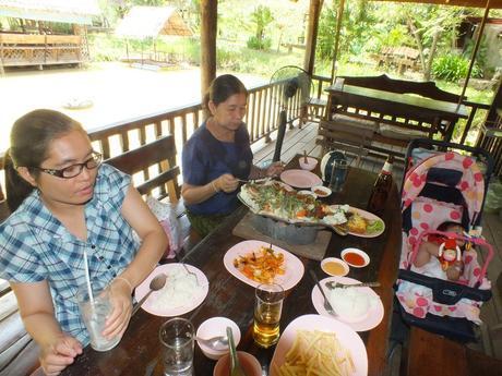 28 mai 2017: Udonthani : Le Wat Rat Song Khro et le Wat Wat Ban Nong Waeng Yao