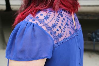 Redhair & blue dress