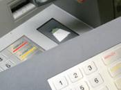 précautions pour retirer l'argent distributeur Bali