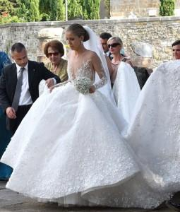 Victoria Swarovski Brille La Robe De Mariée La Plus Chère