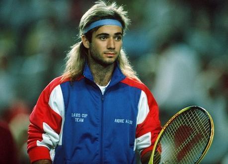 Ces sportifs qui n'hésitent pas à performer avec une perruque sur la tête