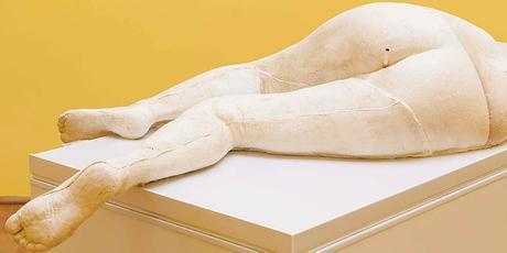sarah-lucas, venice-biennale, i-scream-daddio, 2015, sculpture, solo-show, tit-cat, maradona, conceptual-art, maradona