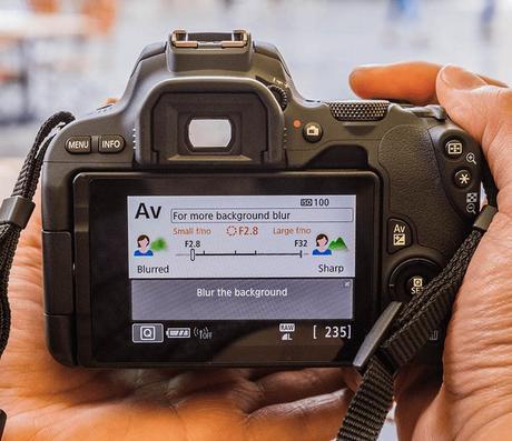 Nouveau reflex Canon EOS 200D, simplement un concentré de technologies