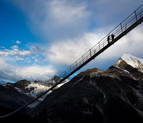 Découvrez le plus long pont suspendu au monde en Suisse