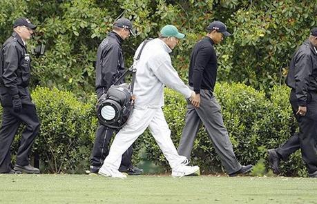 Ces sportifs qui se déplacent avec un ou plusieurs gardes du corps
