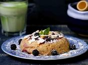 Bowl cake mûres pour petit déjeuner équilibré