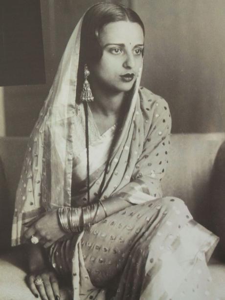 Portrait. en Sari, 1936