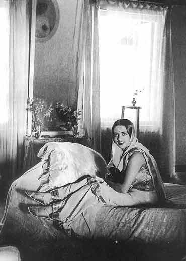 Amirata Sher-Gil chez elle