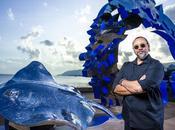 Installation permanente d'une sculpture Brian Robinson pour l'esplanade Cairns, Australie