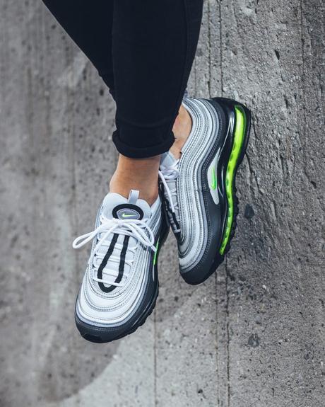 La Nike Air Max 97 Neon GS est disponible