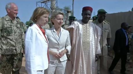 La France appelle le Canada à s'engager militairement au Sahel