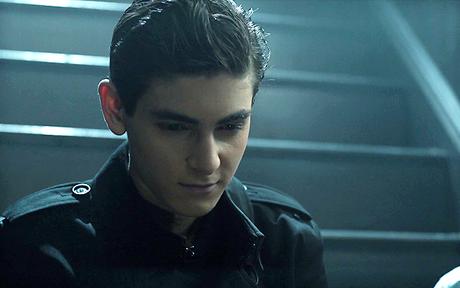 Les critiques // Gotham : Saison 4. Episode 4. The Demon's Head.