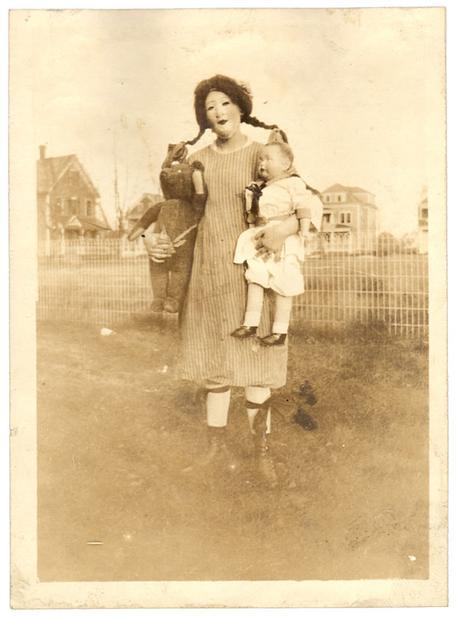 1875, les premières photos d'Halloween