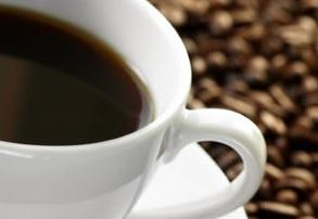 SOMMEIL : Si l'effet stimulant de la caféine dépendait en fait de notre alimentation ?