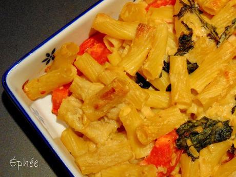 Rigatoni aux 2 fromages, ail, kale et aux tomates