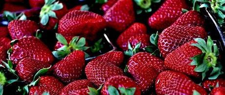 Croustillants aux fraises rôties, glace  à la vanille et au gingembre
