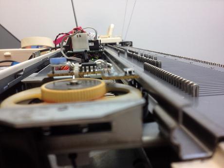 Antennes textiles, Broderies sonores et Tricotage de données