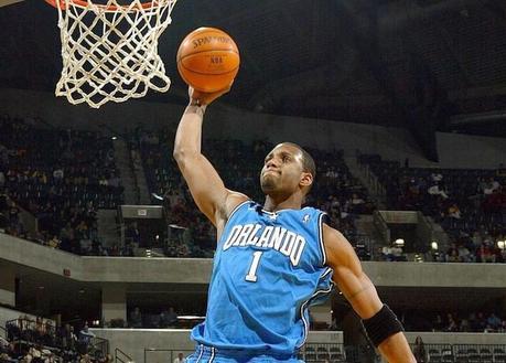 Ces joueurs NBA qui ont dunké avec l'aide de la planche