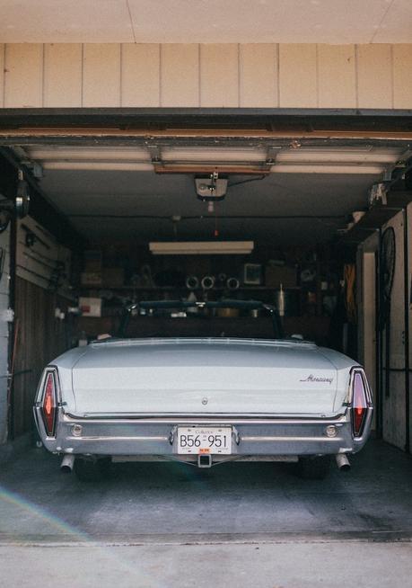 porte amenagement garage en chambre voiture vintage