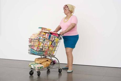 supermarket lady, duane hanson, hyperrealism