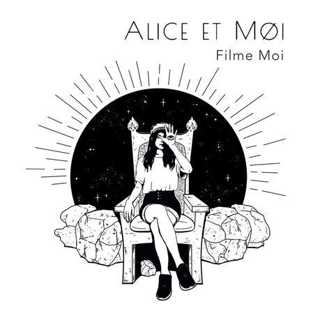 Alice & Moi, l'œil sur la main et des cœurs dans les yeux