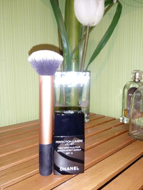 Chanel Perfection Lumière Velvet - Teint Effet Flouteur
