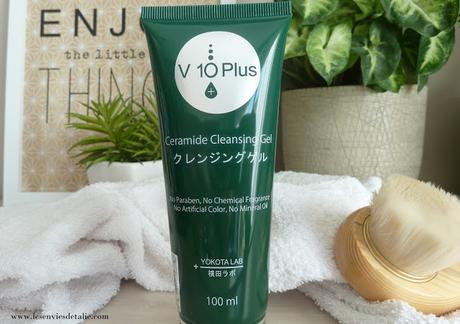 Une peau nette et confortable avec le Gel Nettoyant Céramides V10 Plus