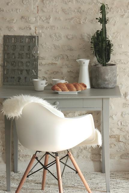 Les grandes étapes pour relooker un meuble en bois