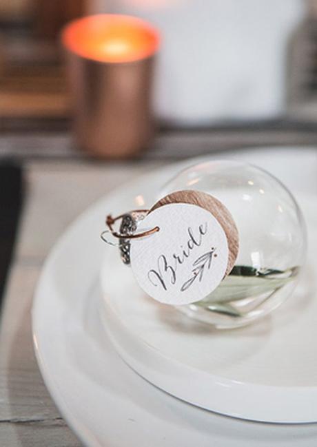 mariage theme hiver bride nom table