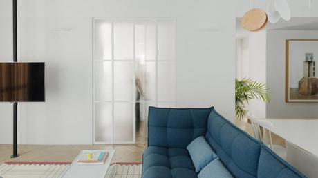 Un appartement blanc aux notes ultra colorées
