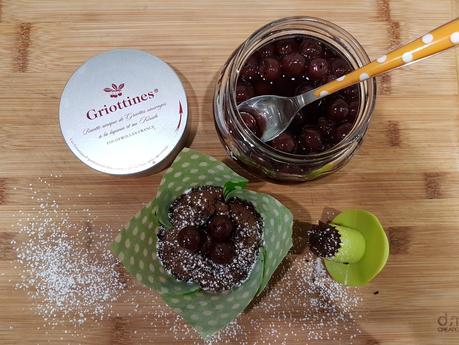 Délicieux au chocolat et griottines