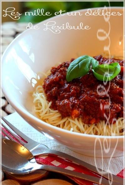 ~Sauce à spaghetti piquante et bien garnie~