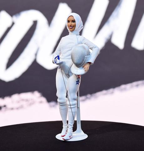 Mattel dévoile la première poupée Barbie voilée