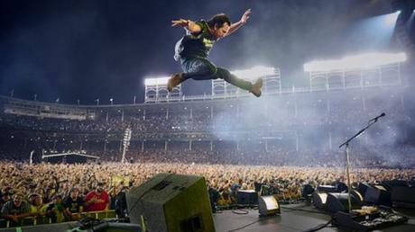 Pearl-Jam-let's-play-two-Eddie-Vedder