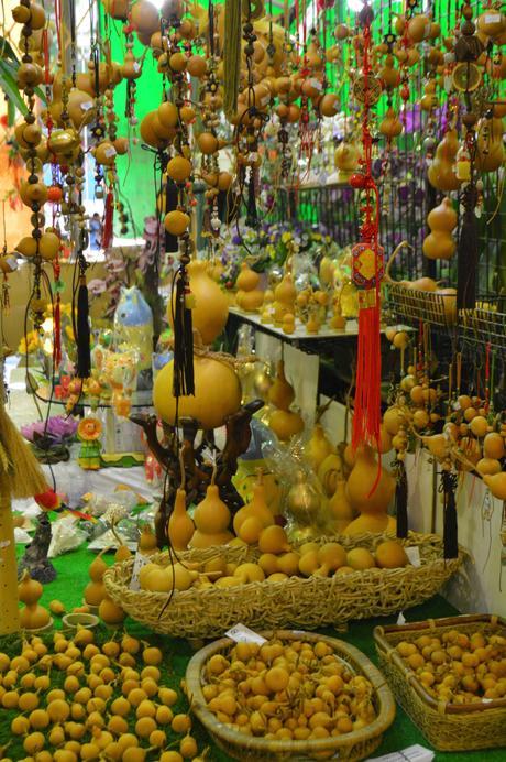 Calebasses au marché aux fleurs