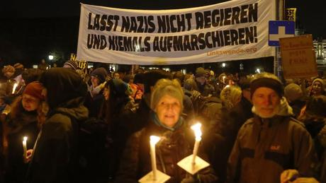 « Une lumière dans la nuit ». #Vienne, 2017. #NONazis