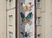 papillons géants envahissent ville grâce l'artiste Mantra