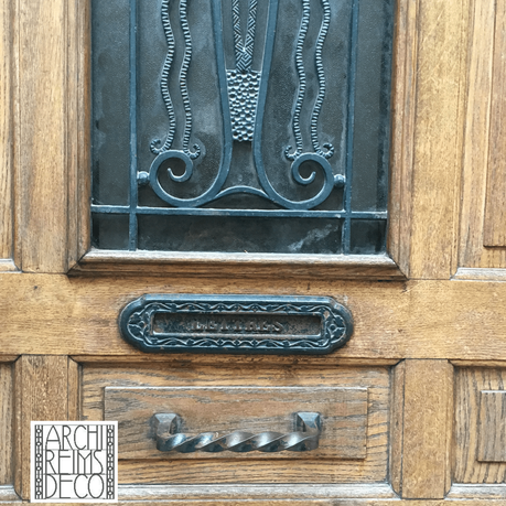 Rue de Nanteuil – boutons de porte