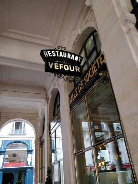 Le Grand Véfour : Guy Martin confie son salon privé à l'artiste Claudine Drai