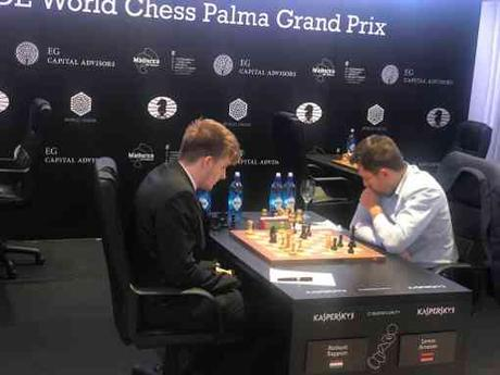 Ronde 7 : l'affrontement entre Richard Rapport (2692)  et le leader Levon Aronian (2801) - Photo © Javier Ochoa