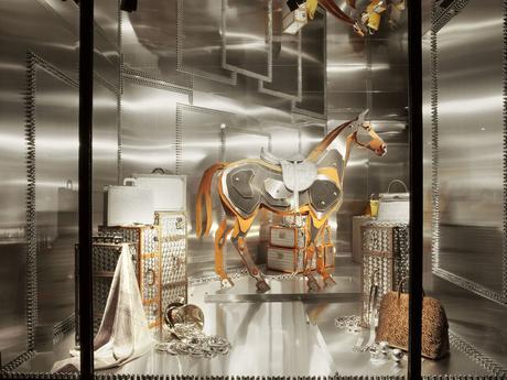 Les vitrines Hermès s'exposent au Grand Palais