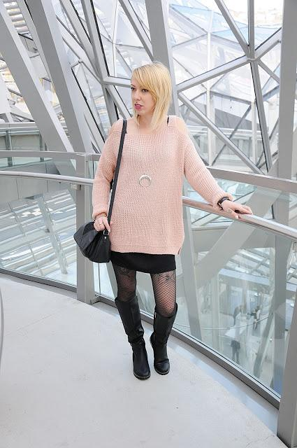 Pull rose comfy et cuissarde noire