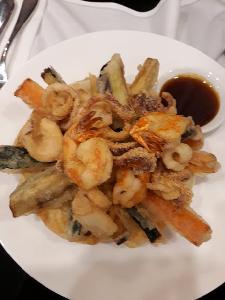 Friture gambas, légumes, calamars © Gourmets&co
