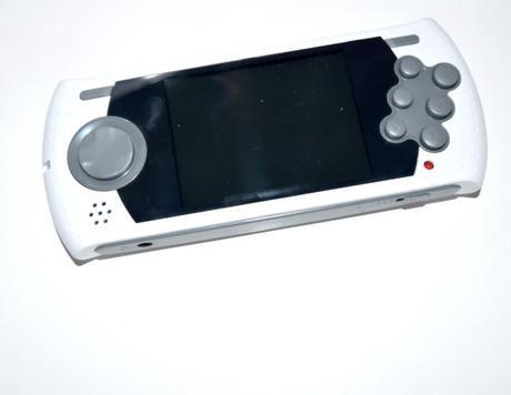 [idée Cadeau] Sega Megadrive Ultimate Portable