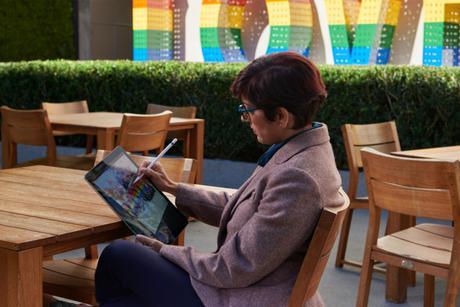 Des artistes utilisateurs d'iPad Pro fêtent les 10 ans d'Urban Sketchers