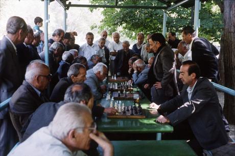 « La grosse théière est à Erevan »