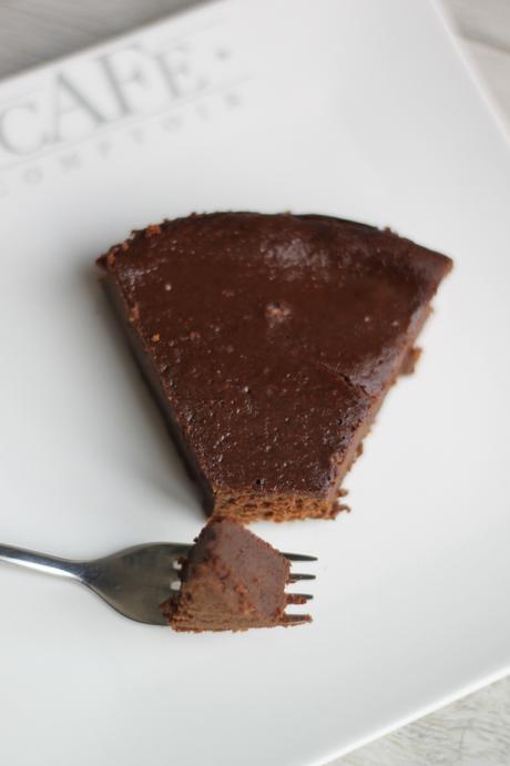 Ultra fondant au chocolat sans beurre ni sucre (ajouté)