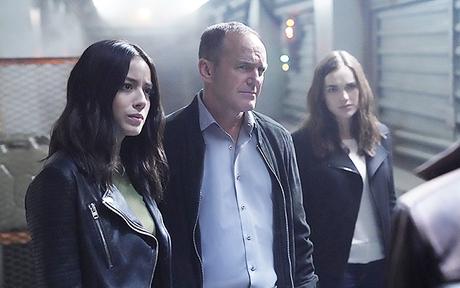 Les critiques // Agents of SHIELD : Saison 5. Episode 1 & 2. Orientation.
