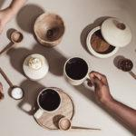 Samaná, la table de préparation liant la culture du café colombienne et mexicaine
